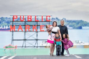 Pike Public Market Family Photographer