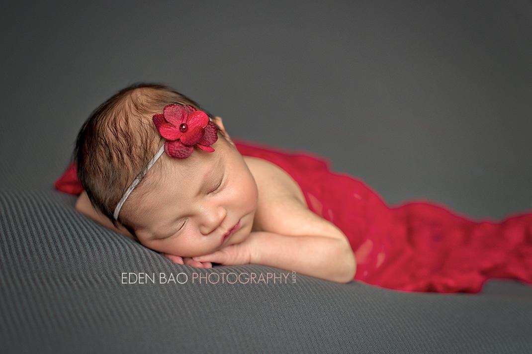 North Vancouver BC Newborn Photographer Eden Bao | Sadie grey background red wrap flower