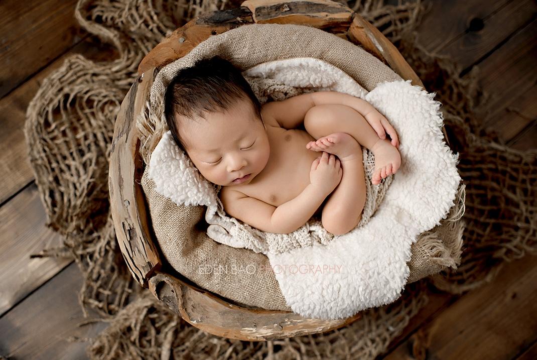 Vancouver BC Newborn Photographer Eden Bao Bennett wooden bowl burlap earthy