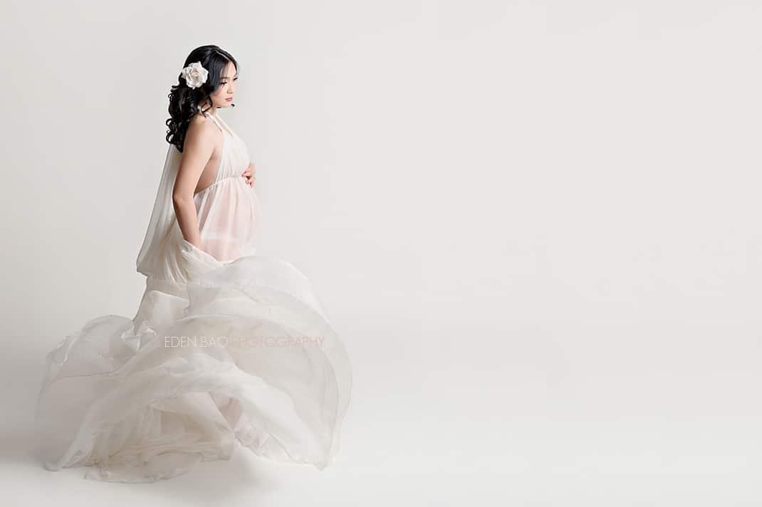 Maternity Photographer Seattle Area mama in flowing white chiffon dress