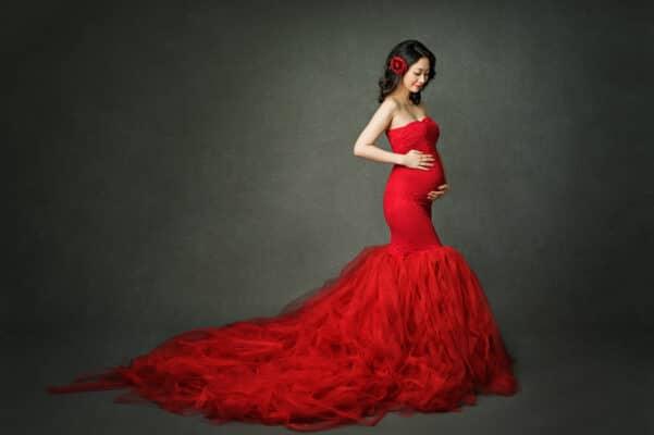 Elegant studio maternity photo Eden Bao