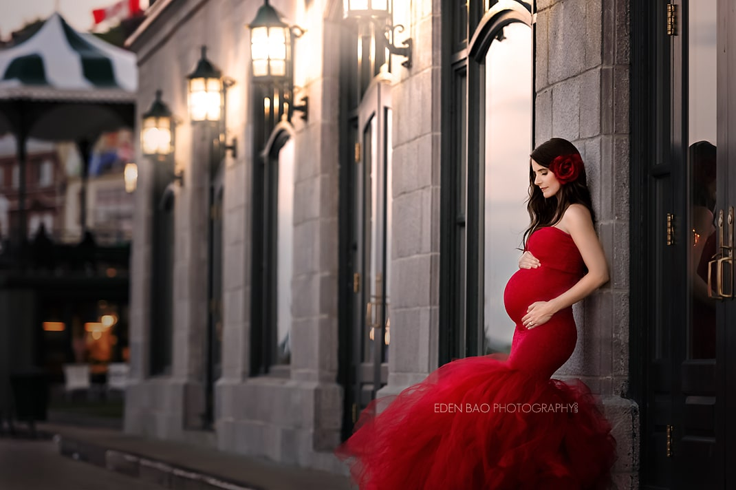 Elegant maternity photography red dress
