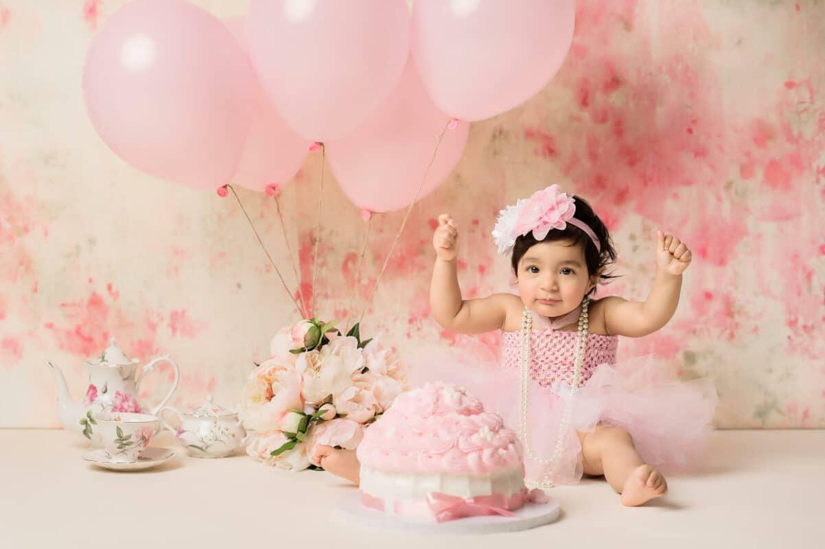 Bellevue baby photographer cake smash