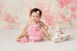 Shoreline baby photographer cake smash