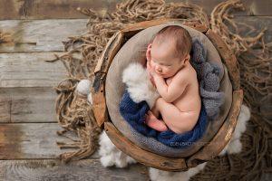 Thomas newborn photography snohomish