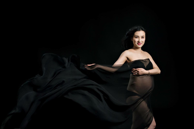 Black Maternity Wrap Eden Bao