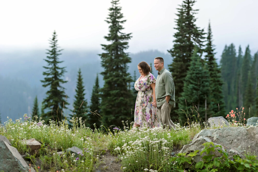 Mt Rainier Couple Engagement Photo by Eden Bao