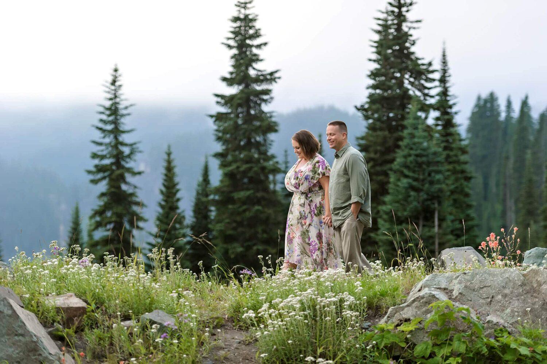 Mt Rainier Couple Engagement Photo by Eden Bao