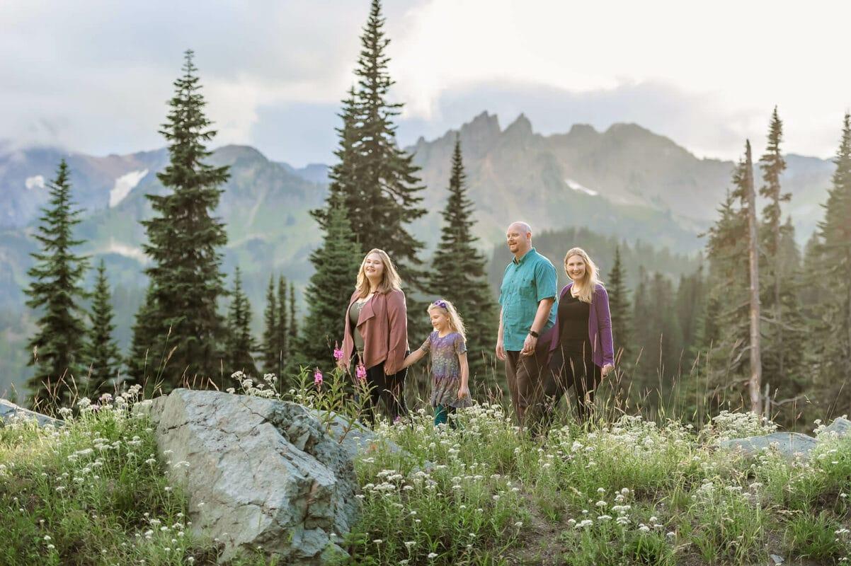 Mt. Rainier Family Portraits Eden Bao