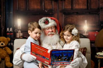 Reading with Santa photo session Seattle Photographer