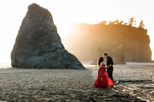 Ruby Beach Maternity Portraits Eden Bao