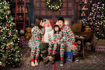 Santa family session Seattle Photographer