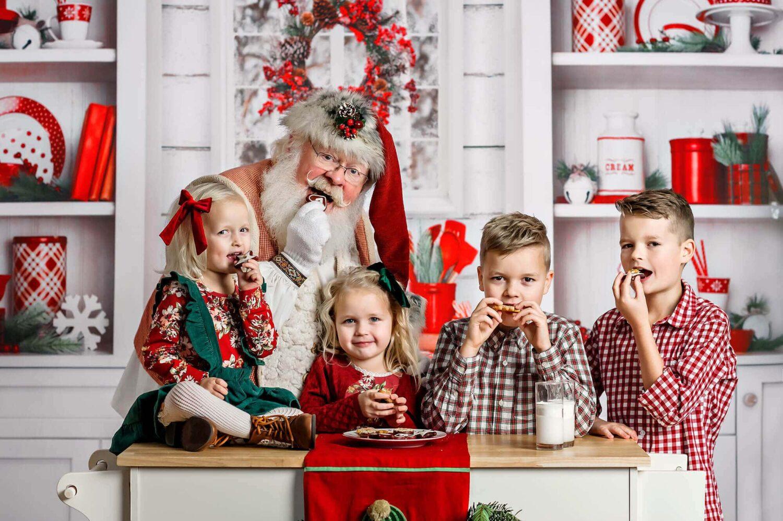 Santa kitchen mini session Seattle Photographer