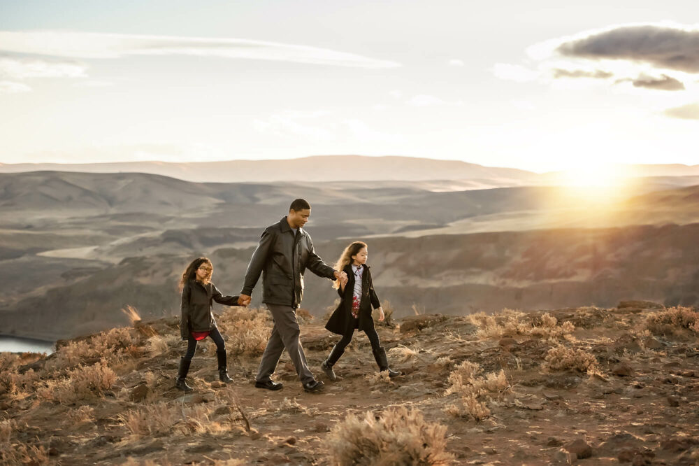 Desert Columbia River WA Family Photographer