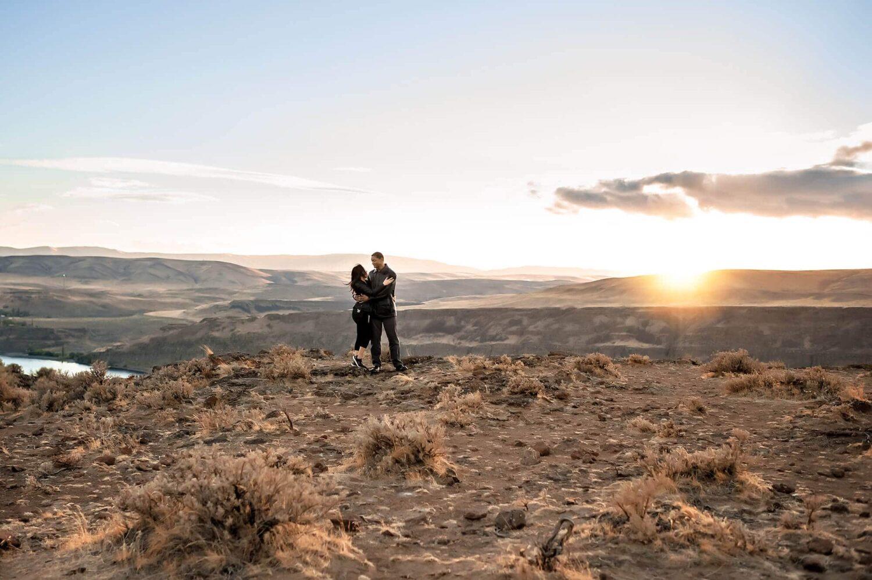 PNW Desert Columbia River WA Family Photography