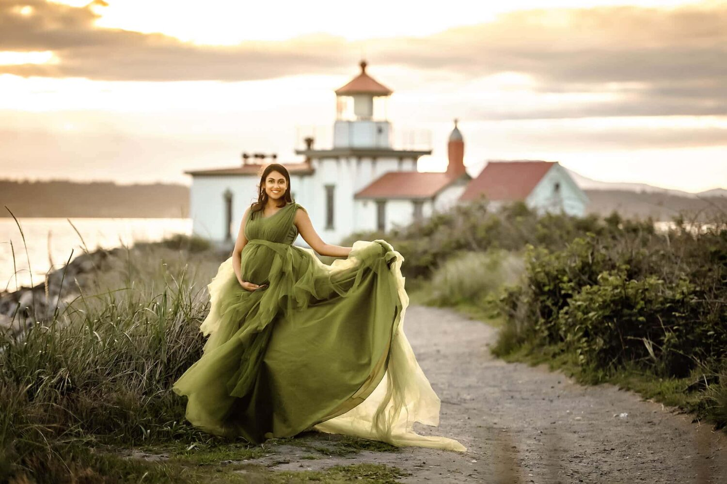 Discovery Park Westpoint Lighthouse Maternity Photo
