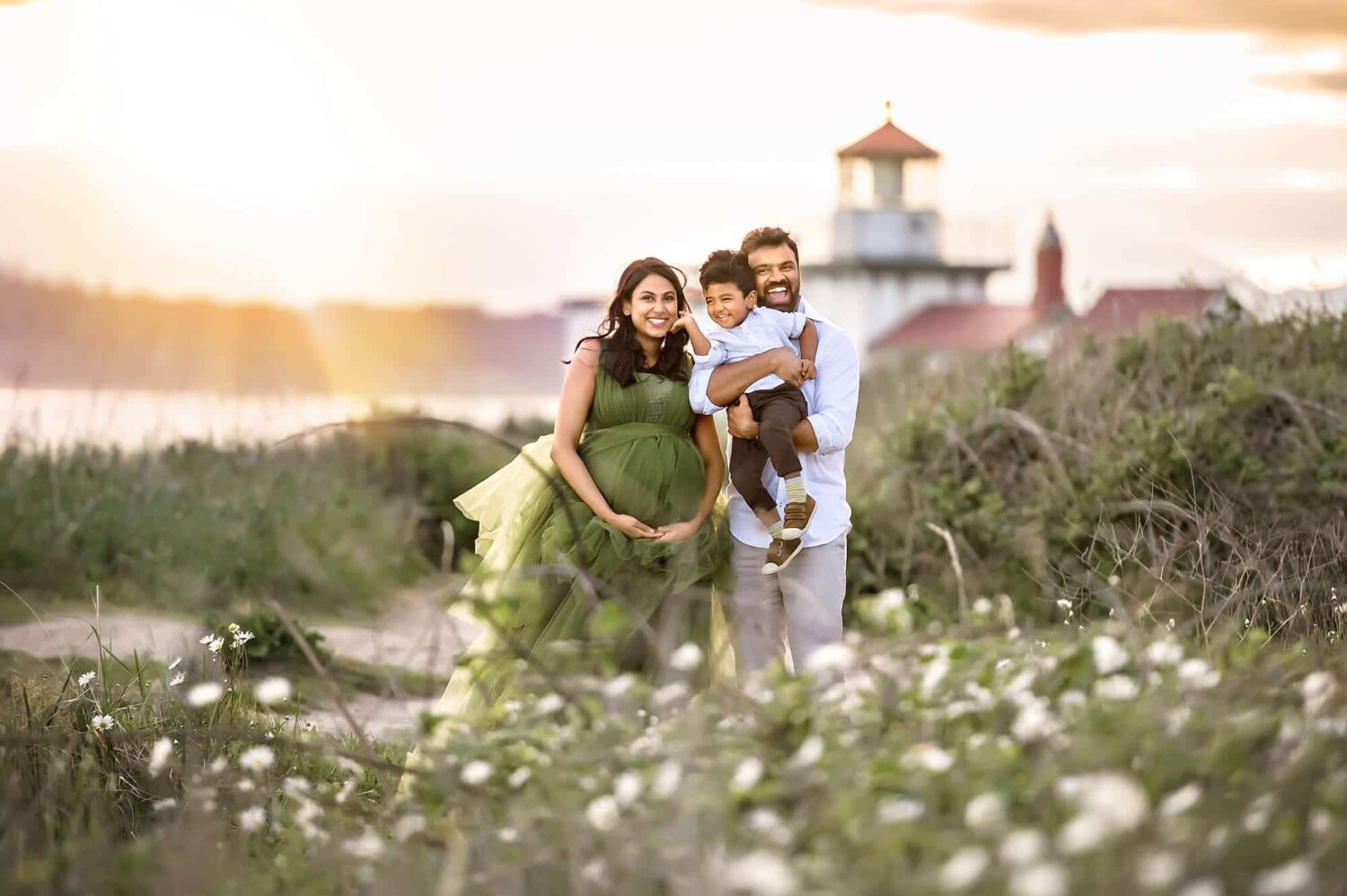Discovery Park Westpoint Lighthouse Maternity Photography