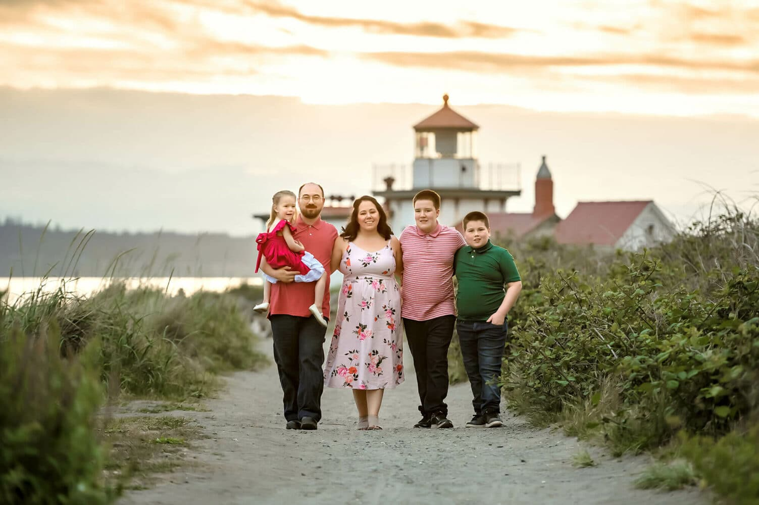 Discovery Park Lighthouse Family Photographer